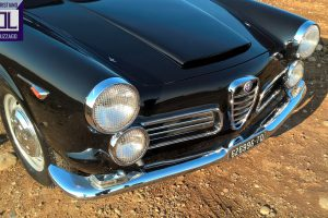 alfa romeo 2600 touring spider www.cristianoluzzago.it brescia italy 18