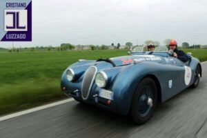 jaguar xk120 roadster www.cristianoluzzago.it 39 328 2454909 2