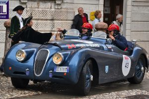 jaguar xk120 roadster www.cristianoluzzago.it 39 328 2454909 3
