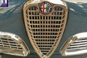 ALFA ROMEO GIULIETTA SPRINT 1962 www.cristianoluzzago.it Brescia Italy (17)