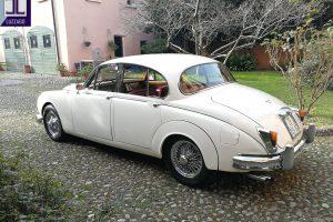 JAGUAR MK2 3.800 www.cristianoluzzago.it Brescia Italy (8)
