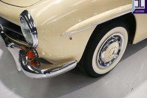 1959 MERCEDES BENZ 190 SL ROADSTER www.cristianoluzzago.it Brescia Italy (14)