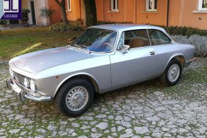 ALFA ROMEO 2000 GT VELOCE www.cristianoluzzago.it Brescia Italy (4)