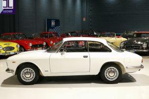 1968 ALFA ROMEO GT JUNIOR 1300 SCALINO www.cristianoluzzago.it Brescia Italy (10)