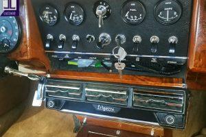 JAGUAR MK2 3.800 www.cristianoluzzago.it Brescia Italy (34)