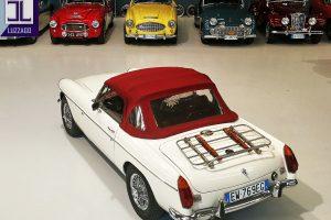 1972 MG B ROADSTER www.cristianoluzzago.it Brescia Italy (14)
