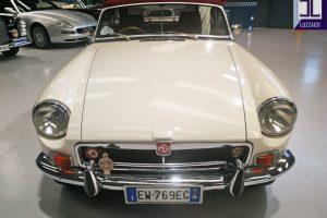 1972 MG B ROADSTER www.cristianoluzzago.it Brescia Italy (15)