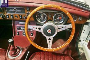 1972 MG B ROADSTER www.cristianoluzzago.it Brescia Italy (33)