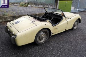 TRIUMPH TR3A FOR RESTORATION www.cristianoluzzago.it brescia italy (2)