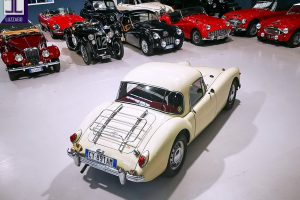 1957 MG A 1500 COUPE' www.cristianoluzzago.it Brescia Italy (7)