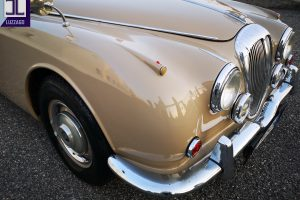 1969 DAIMLER 2500 V8 SALOON www.cristianoluzzago.it brescia italy (12)