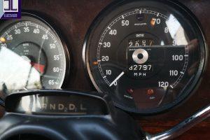 1969 DAIMLER 2500 V8 SALOON www.cristianoluzzago.it brescia italy (32)