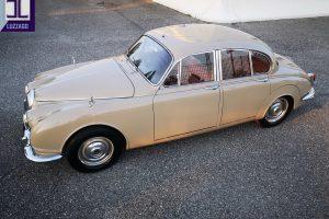 1969 DAIMLER 2500 V8 SALOON www.cristianoluzzago.it brescia italy (5)