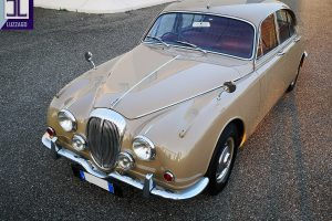1969 DAIMLER 2500 V8 SALOON www.cristianoluzzago.it brescia italy (7)