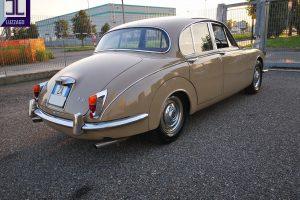 1969 DAIMLER 2500 V8 SALOON www.cristianoluzzago.it brescia italy (9)