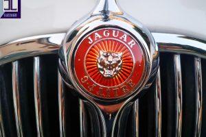 Jaguar mk2 3.400 www.cristiaanoluzzago.it brescia italy (23)