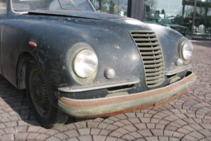 1948 FIAT 1100 VIGNALEbarn find and cleaning (11)