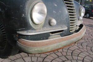 1948 FIAT 1100 VIGNALEbarn find and cleaning (12)