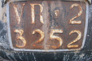 1948 FIAT 1100 VIGNALEbarn find and cleaning (26)