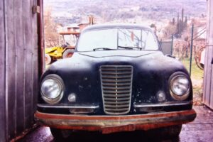 1948 FIAT 1100 VIGNALEbarn find and cleaning (3)