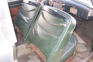 1948 FIAT 1100 VIGNALEbarn find and cleaning (32)