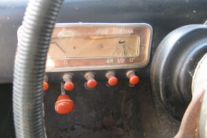 1948 FIAT 1100 VIGNALEbarn find and cleaning (39)