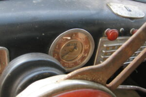 1948 FIAT 1100 VIGNALEbarn find and cleaning (40)