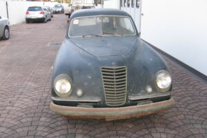 1948 FIAT 1100 VIGNALEbarn find and cleaning (5)