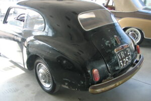 1948 FIAT 1100 VIGNALEbarn find and cleaning (54)