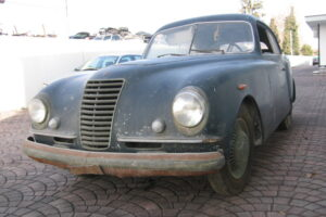 1948 FIAT 1100 VIGNALEbarn find and cleaning (6)