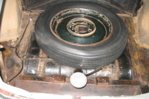 1948 FIAT 1100 VIGNALEbarn find and cleaning (68)
