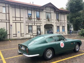A lovely meeting by Brianza Classic Team with my Aston Martin DB6.  #astonmartindb6 #britishcars #englishcars #lombardylakes #brianzaclassicteam #lagodilecco #carcollectors