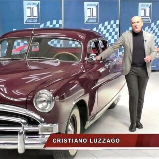 A charming American lady is featured in the latest video on my YouTube channel (link on my website's footer).  #cl_theblueroom #hudsoncars #1951cars #americangraffiti #50sstyle #americancars #oldtimer #carcollection #madeinusa🇺🇸